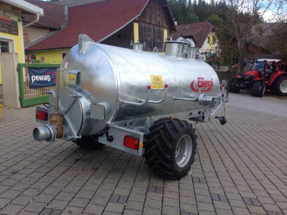 Cisternă vidanjă monoax VFW 4000