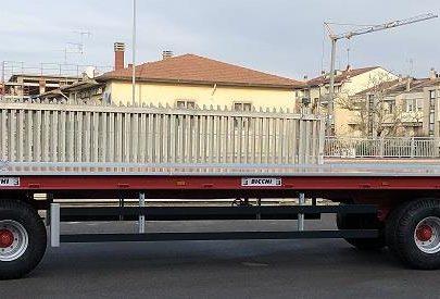 Remorca platforma cu trei axe Bicchi