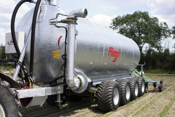 Cisternă vidanjă cu 4 axe VFW 25000-30000